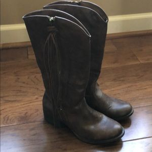 Madden Girl Cowboy Boot in brown size 6.5.